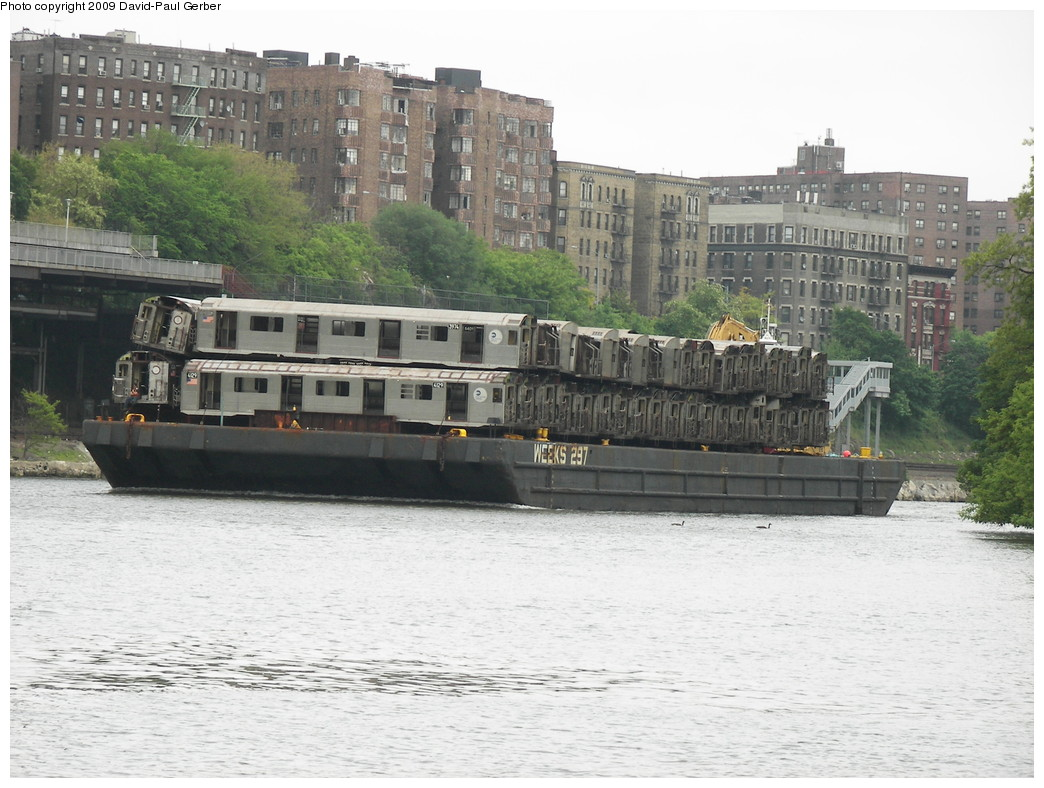 (275k, 1044x788)<br><b>Country:</b> United States<br><b>City:</b> New York<br><b>System:</b> New York City Transit<br><b>Location:</b> Harlem River Ship Canal<br><b>Car:</b> R-38 (St. Louis, 1966-1967)  3974/4129 <br><b>Photo by:</b> David-Paul Gerber<br><b>Date:</b> 5/16/2009<br><b>Viewed (this week/total):</b> 1 / 1887