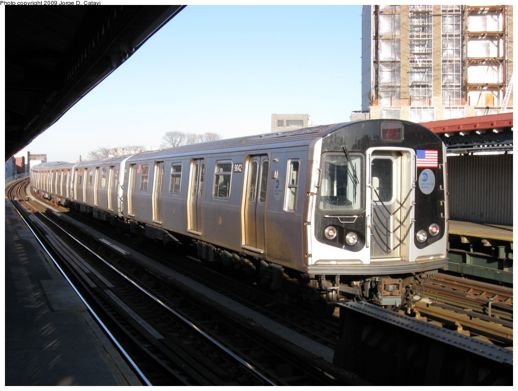 (199k, 1044x788)<br><b>Country:</b> United States<br><b>City:</b> New York<br><b>System:</b> New York City Transit<br><b>Line:</b> BMT Astoria Line<br><b>Location:</b> 30th/Grand Aves. <br><b>Route:</b> N layup<br><b>Car:</b> R-160B (Option 1) (Kawasaki, 2008-2009)  9042 <br><b>Photo by:</b> Jorge Catayi<br><b>Date:</b> 2/1/2009<br><b>Viewed (this week/total):</b> 2 / 1491