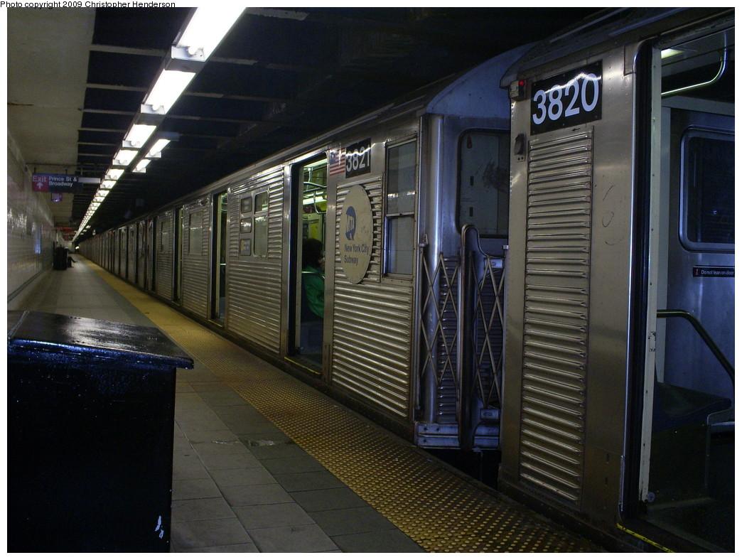 (264k, 1044x788)<br><b>Country:</b> United States<br><b>City:</b> New York<br><b>System:</b> New York City Transit<br><b>Line:</b> BMT Broadway Line<br><b>Location:</b> Prince Street <br><b>Route:</b> R<br><b>Car:</b> R-32 (Budd, 1964)  3821 <br><b>Photo by:</b> Christopher Henderson<br><b>Date:</b> 5/16/2009<br><b>Viewed (this week/total):</b> 2 / 2720