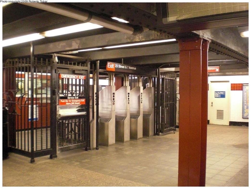 (261k, 1044x788)<br><b>Country:</b> United States<br><b>City:</b> New York<br><b>System:</b> New York City Transit<br><b>Line:</b> IRT West Side Line<br><b>Location:</b> 23rd Street <br><b>Photo by:</b> Roberto C. Tobar<br><b>Date:</b> 5/13/2009<br><b>Notes:</b> Fare control area.<br><b>Viewed (this week/total):</b> 5 / 1398