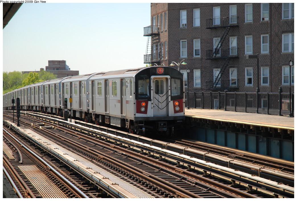 (302k, 1044x705)<br><b>Country:</b> United States<br><b>City:</b> New York<br><b>System:</b> New York City Transit<br><b>Line:</b> IRT Pelham Line<br><b>Location:</b> Buhre Avenue <br><b>Route:</b> 6<br><b>Car:</b> R-142A (Option Order, Kawasaki, 2002-2003)  7640 <br><b>Photo by:</b> Gin Yee<br><b>Date:</b> 5/19/2009<br><b>Viewed (this week/total):</b> 0 / 1318