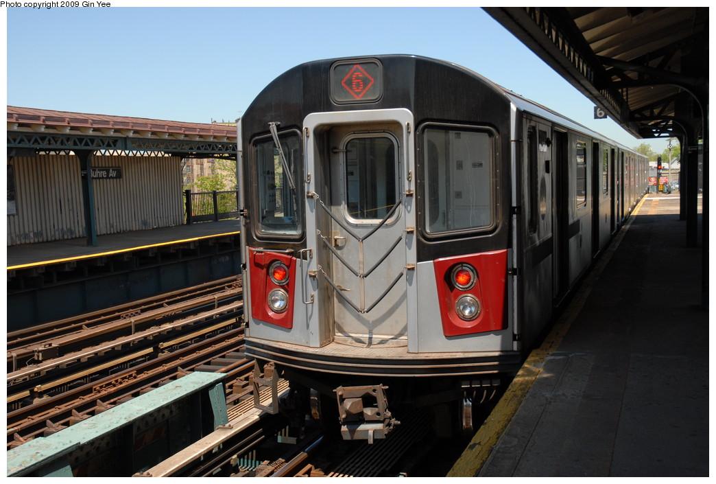 (229k, 1044x705)<br><b>Country:</b> United States<br><b>City:</b> New York<br><b>System:</b> New York City Transit<br><b>Line:</b> IRT Pelham Line<br><b>Location:</b> Buhre Avenue <br><b>Route:</b> 6<br><b>Car:</b> R-142A (Primary Order, Kawasaki, 1999-2002)  7226 <br><b>Photo by:</b> Gin Yee<br><b>Date:</b> 5/19/2009<br><b>Viewed (this week/total):</b> 0 / 1473