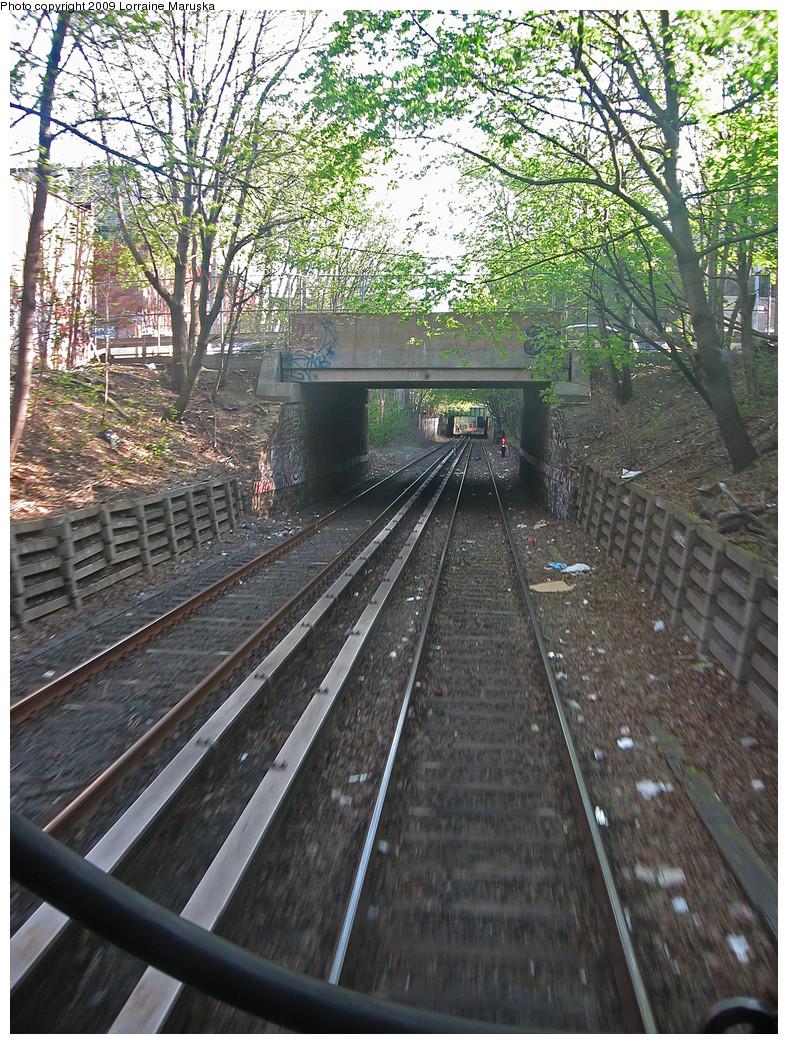 (448k, 788x1044)<br><b>Country:</b> United States<br><b>City:</b> New York<br><b>System:</b> New York City Transit<br><b>Line:</b> BMT Franklin<br><b>Location:</b> Montgomery St. Overpass <br><b>Photo by:</b> Lorraine Maruska<br><b>Date:</b> 4/26/2009<br><b>Notes:</b> Montgomery St. overpass s/b.<br><b>Viewed (this week/total):</b> 0 / 892