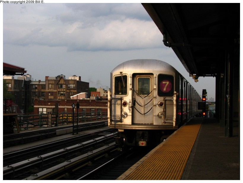 (114k, 820x620)<br><b>Country:</b> United States<br><b>City:</b> New York<br><b>System:</b> New York City Transit<br><b>Line:</b> IRT Flushing Line<br><b>Location:</b> 74th Street/Broadway <br><b>Route:</b> 7<br><b>Car:</b> R-62A (Bombardier, 1984-1987)   <br><b>Photo by:</b> Bill E.<br><b>Date:</b> 5/9/2009<br><b>Viewed (this week/total):</b> 2 / 1007