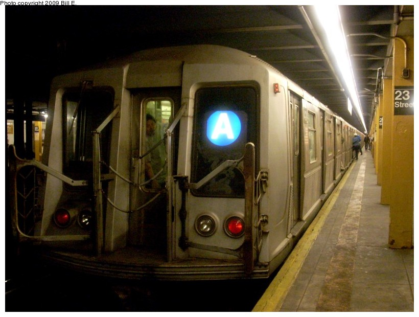 (150k, 820x620)<br><b>Country:</b> United States<br><b>City:</b> New York<br><b>System:</b> New York City Transit<br><b>Line:</b> IND 8th Avenue Line<br><b>Location:</b> 23rd Street <br><b>Route:</b> A<br><b>Car:</b> R-40 (St. Louis, 1968)   <br><b>Photo by:</b> Bill E.<br><b>Date:</b> 5/16/2009<br><b>Viewed (this week/total):</b> 1 / 1714