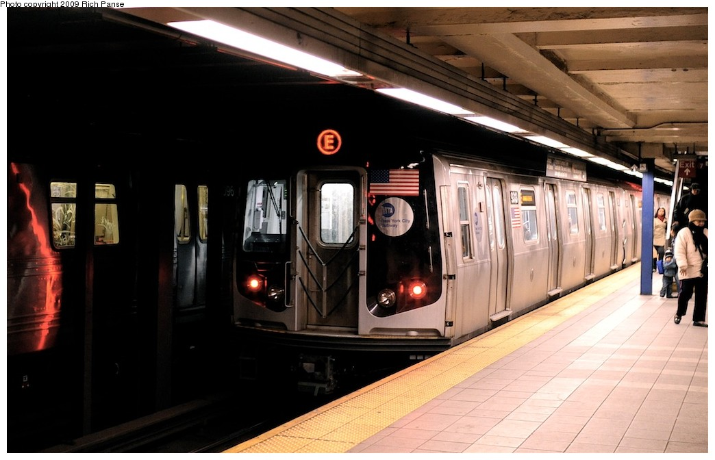 (154k, 1044x672)<br><b>Country:</b> United States<br><b>City:</b> New York<br><b>System:</b> New York City Transit<br><b>Line:</b> IND Queens Boulevard Line<br><b>Location:</b> Roosevelt Avenue <br><b>Route:</b> E<br><b>Car:</b> R-160A (Option 1) (Alstom, 2008-2009, 5 car sets)   <br><b>Photo by:</b> Richard Panse<br><b>Date:</b> 3/25/2009<br><b>Viewed (this week/total):</b> 0 / 1407