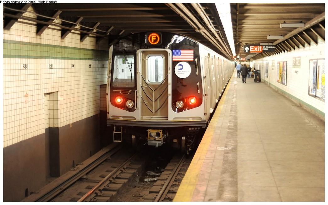 (172k, 1044x654)<br><b>Country:</b> United States<br><b>City:</b> New York<br><b>System:</b> New York City Transit<br><b>Line:</b> IND 6th Avenue Line<br><b>Location:</b> 23rd Street <br><b>Route:</b> F<br><b>Car:</b> R-160A (Option 1) (Alstom, 2008-2009, 5 car sets)   <br><b>Photo by:</b> Richard Panse<br><b>Date:</b> 3/30/2009<br><b>Viewed (this week/total):</b> 0 / 1837