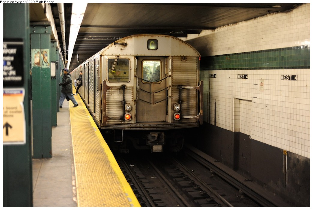(167k, 1044x701)<br><b>Country:</b> United States<br><b>City:</b> New York<br><b>System:</b> New York City Transit<br><b>Line:</b> IND 8th Avenue Line<br><b>Location:</b> West 4th Street/Washington Square <br><b>Route:</b> C<br><b>Car:</b> R-32 (Budd, 1964)   <br><b>Photo by:</b> Richard Panse<br><b>Date:</b> 3/30/2009<br><b>Viewed (this week/total):</b> 2 / 1374