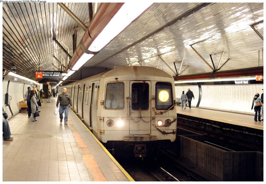 (227k, 1044x724)<br><b>Country:</b> United States<br><b>City:</b> New York<br><b>System:</b> New York City Transit<br><b>Line:</b> IND 63rd Street<br><b>Location:</b> Roosevelt Island <br><b>Route:</b> F<br><b>Car:</b> R-46 (Pullman-Standard, 1974-75)  <br><b>Photo by:</b> Richard Panse<br><b>Date:</b> 3/31/2009<br><b>Viewed (this week/total):</b> 1 / 1694