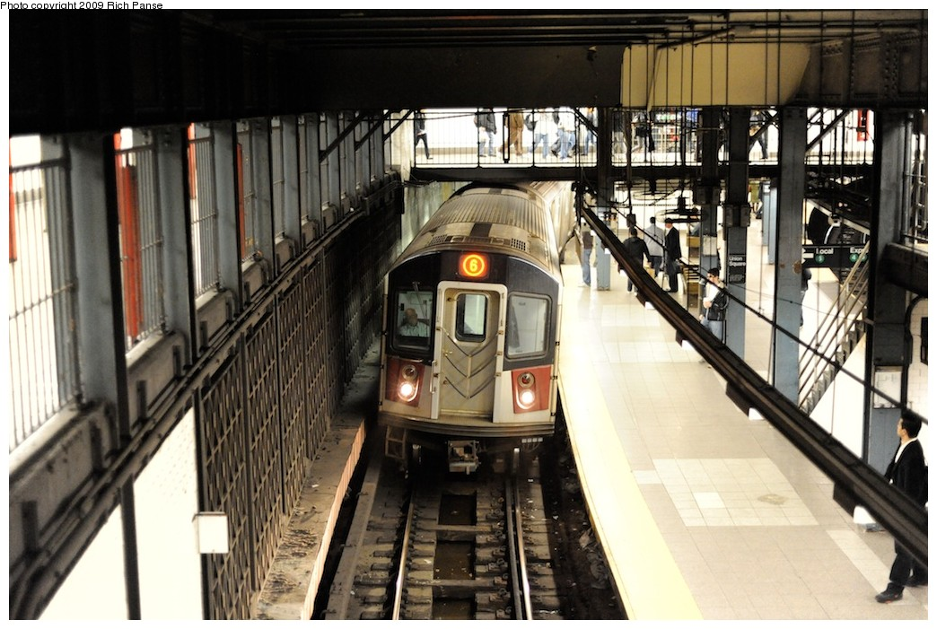 (201k, 1044x701)<br><b>Country:</b> United States<br><b>City:</b> New York<br><b>System:</b> New York City Transit<br><b>Line:</b> IRT East Side Line<br><b>Location:</b> 14th Street/Union Square <br><b>Route:</b> 6<br><b>Car:</b> R-142 or R-142A (Number Unknown)  <br><b>Photo by:</b> Richard Panse<br><b>Date:</b> 3/31/2009<br><b>Viewed (this week/total):</b> 3 / 2477