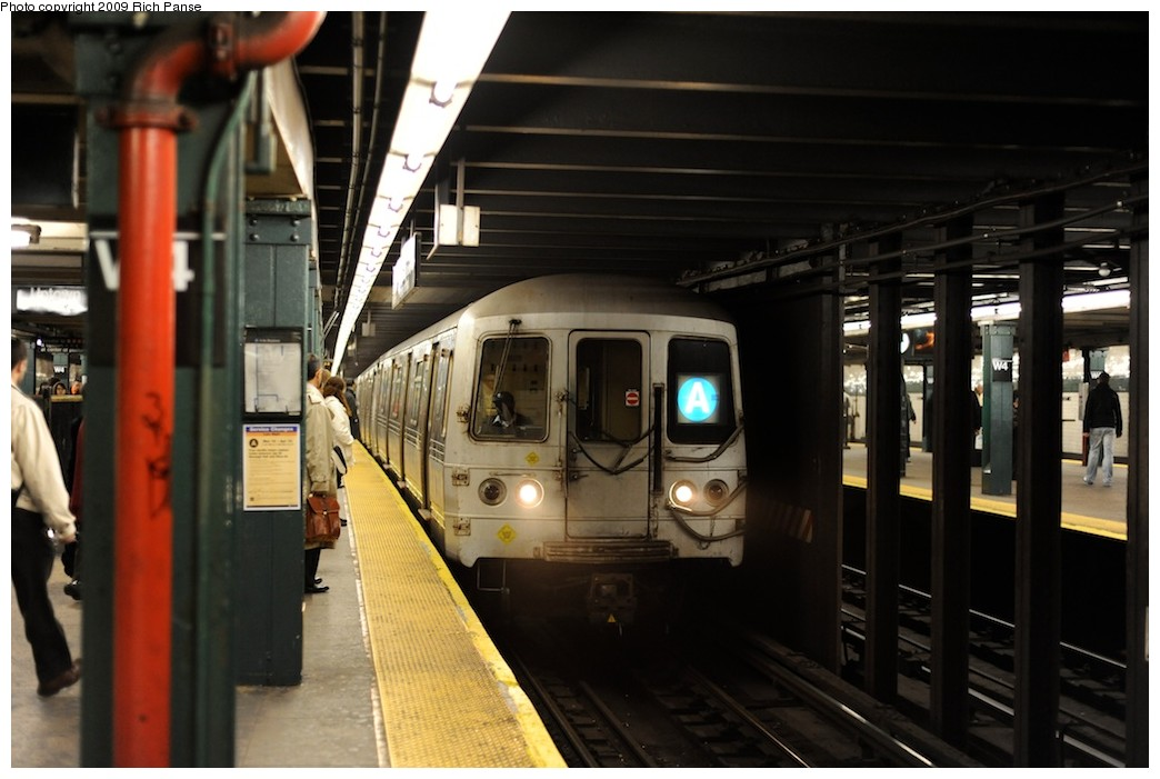 (153k, 1044x701)<br><b>Country:</b> United States<br><b>City:</b> New York<br><b>System:</b> New York City Transit<br><b>Line:</b> IND 8th Avenue Line<br><b>Location:</b> West 4th Street/Washington Square <br><b>Route:</b> A<br><b>Car:</b> R-44 (St. Louis, 1971-73)  <br><b>Photo by:</b> Richard Panse<br><b>Date:</b> 4/1/2009<br><b>Viewed (this week/total):</b> 6 / 1511