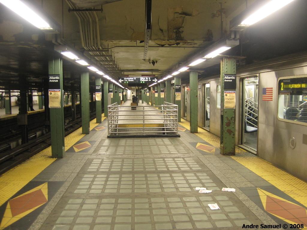 (233k, 1024x768)<br><b>Country:</b> United States<br><b>City:</b> New York<br><b>System:</b> New York City Transit<br><b>Line:</b> IRT Brooklyn Line<br><b>Location:</b> Atlantic Avenue <br><b>Photo by:</b> Andre Samuel<br><b>Date:</b> 4/6/2008<br><b>Viewed (this week/total):</b> 0 / 1874