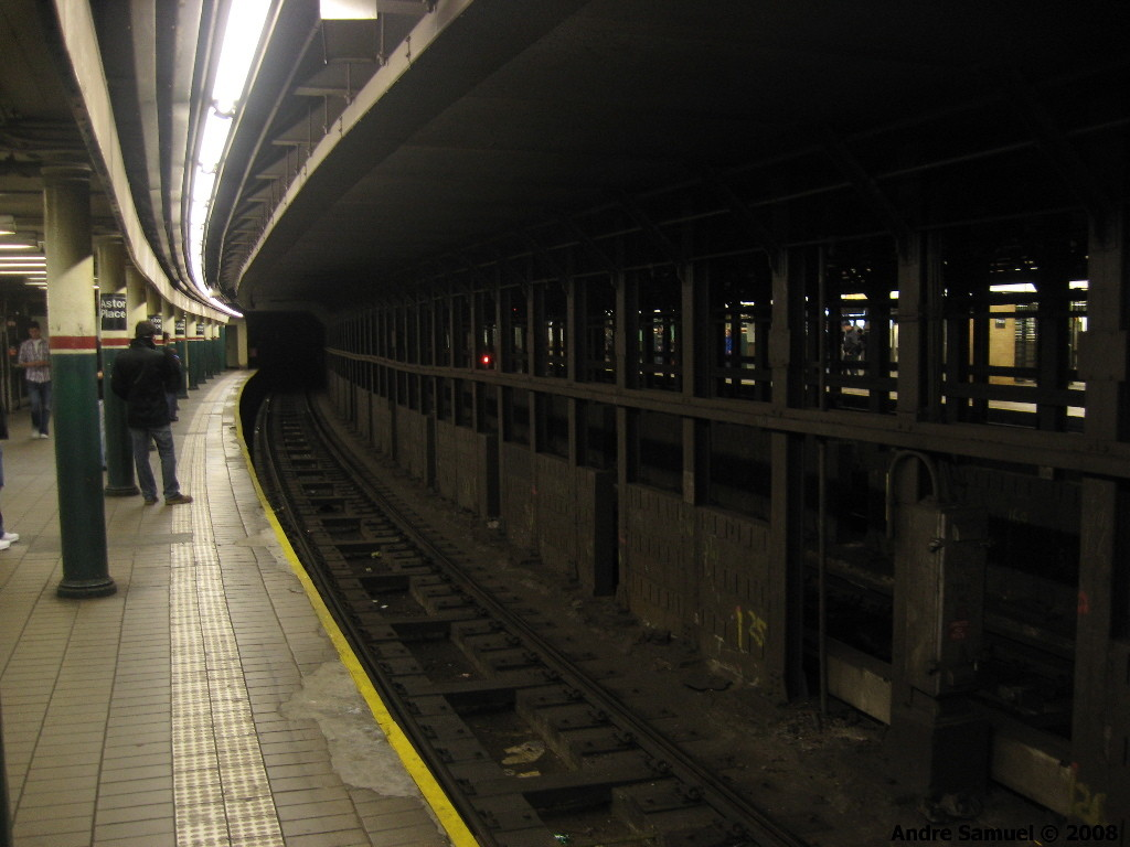 (166k, 1024x768)<br><b>Country:</b> United States<br><b>City:</b> New York<br><b>System:</b> New York City Transit<br><b>Line:</b> IRT East Side Line<br><b>Location:</b> Astor Place <br><b>Photo by:</b> Andre Samuel<br><b>Date:</b> 4/6/2008<br><b>Viewed (this week/total):</b> 3 / 994