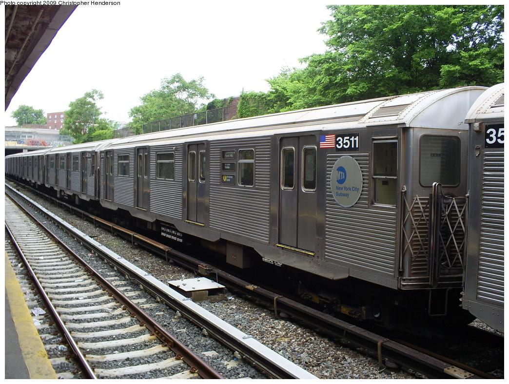 (338k, 1044x788)<br><b>Country:</b> United States<br><b>City:</b> New York<br><b>System:</b> New York City Transit<br><b>Line:</b> BMT Sea Beach Line<br><b>Location:</b> New Utrecht Avenue <br><b>Route:</b> R put-in<br><b>Car:</b> R-32 (Budd, 1964)  3511 <br><b>Photo by:</b> Christopher Henderson<br><b>Date:</b> 5/27/2009<br><b>Viewed (this week/total):</b> 0 / 1486