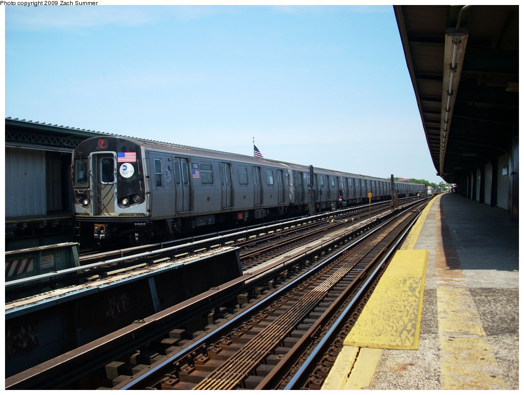 (265k, 1044x788)<br><b>Country:</b> United States<br><b>City:</b> New York<br><b>System:</b> New York City Transit<br><b>Line:</b> BMT Culver Line<br><b>Location:</b> Avenue X <br><b>Route:</b> F<br><b>Car:</b> R-160B (Option 1) (Kawasaki, 2008-2009)  9168 <br><b>Photo by:</b> Zach Summer<br><b>Date:</b> 5/25/2009<br><b>Viewed (this week/total):</b> 0 / 928