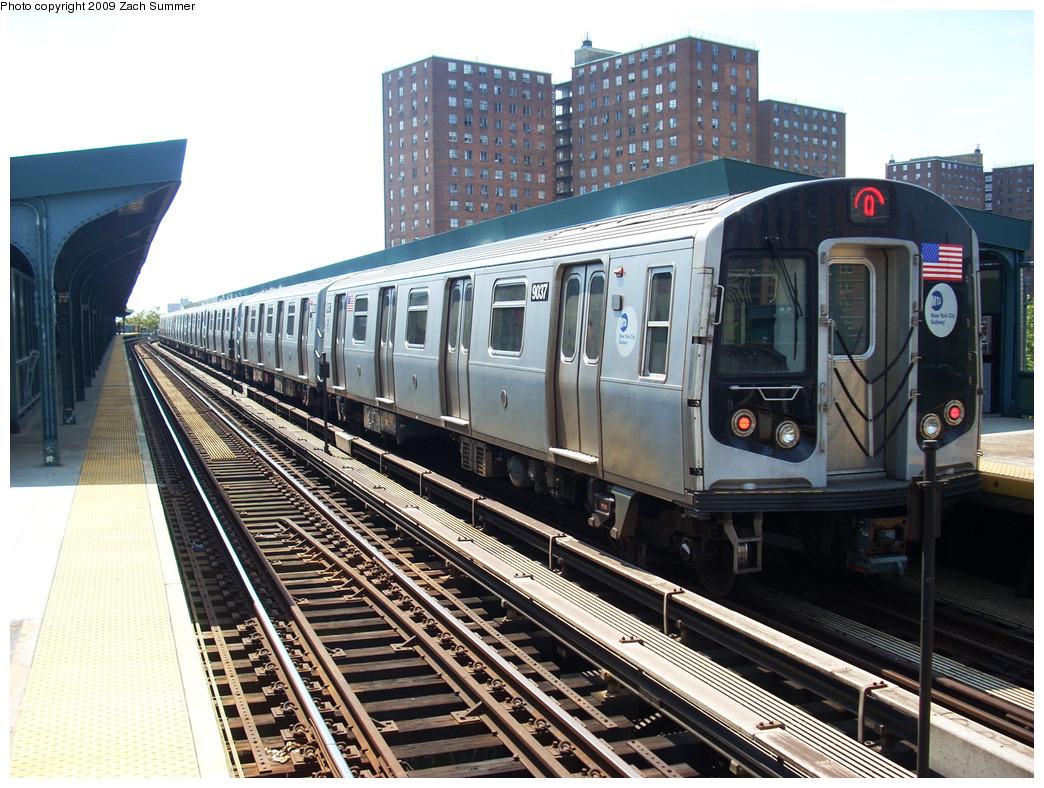 (324k, 1044x788)<br><b>Country:</b> United States<br><b>City:</b> New York<br><b>System:</b> New York City Transit<br><b>Line:</b> BMT Brighton Line<br><b>Location:</b> West 8th Street <br><b>Route:</b> Q<br><b>Car:</b> R-160B (Option 1) (Kawasaki, 2008-2009)  9037 <br><b>Photo by:</b> Zach Summer<br><b>Date:</b> 5/25/2009<br><b>Viewed (this week/total):</b> 0 / 1104