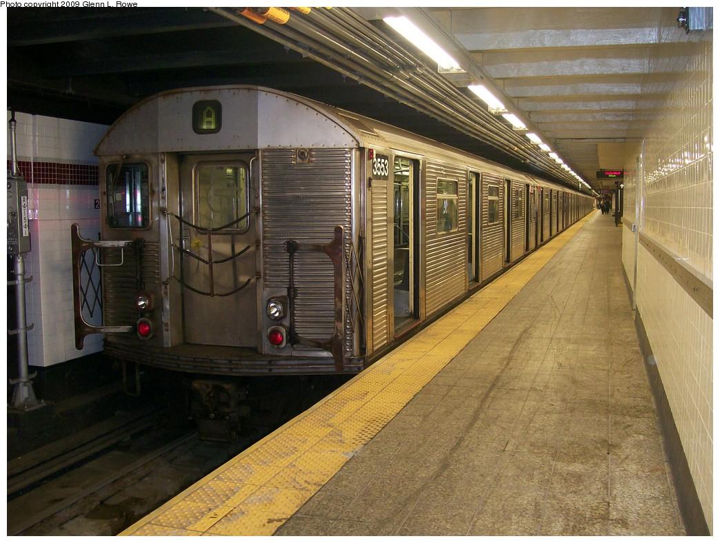 (244k, 1044x788)<br><b>Country:</b> United States<br><b>City:</b> New York<br><b>System:</b> New York City Transit<br><b>Line:</b> IND 8th Avenue Line<br><b>Location:</b> 207th Street <br><b>Route:</b> A<br><b>Car:</b> R-32 (Budd, 1964)  3553 <br><b>Photo by:</b> Glenn L. Rowe<br><b>Date:</b> 5/26/2009<br><b>Viewed (this week/total):</b> 0 / 926