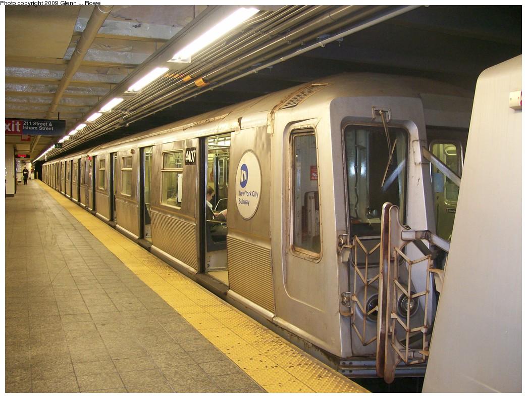 (228k, 1044x788)<br><b>Country:</b> United States<br><b>City:</b> New York<br><b>System:</b> New York City Transit<br><b>Line:</b> IND 8th Avenue Line<br><b>Location:</b> 207th Street <br><b>Route:</b> A<br><b>Car:</b> R-40 (St. Louis, 1968)  4407 <br><b>Photo by:</b> Glenn L. Rowe<br><b>Date:</b> 5/28/2009<br><b>Viewed (this week/total):</b> 0 / 910