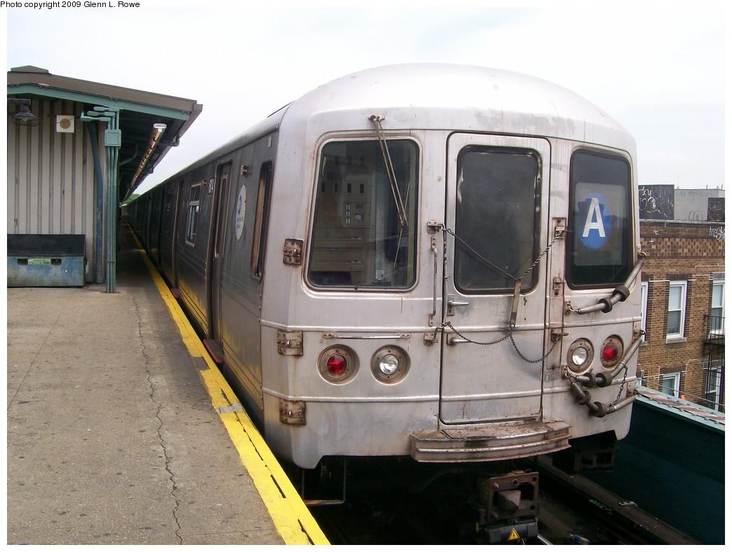 (195k, 1044x788)<br><b>Country:</b> United States<br><b>City:</b> New York<br><b>System:</b> New York City Transit<br><b>Line:</b> IND Fulton Street Line<br><b>Location:</b> Lefferts Boulevard <br><b>Route:</b> A<br><b>Car:</b> R-46 (Pullman-Standard, 1974-75) 6174 <br><b>Photo by:</b> Glenn L. Rowe<br><b>Date:</b> 5/29/2009<br><b>Viewed (this week/total):</b> 0 / 960