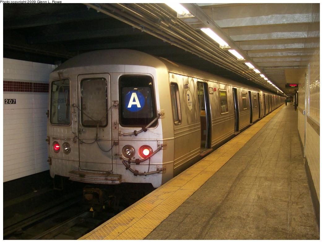 (202k, 1044x788)<br><b>Country:</b> United States<br><b>City:</b> New York<br><b>System:</b> New York City Transit<br><b>Line:</b> IND 8th Avenue Line<br><b>Location:</b> 207th Street <br><b>Route:</b> A<br><b>Car:</b> R-46 (Pullman-Standard, 1974-75) 6174 <br><b>Photo by:</b> Glenn L. Rowe<br><b>Date:</b> 5/29/2009<br><b>Viewed (this week/total):</b> 3 / 1162
