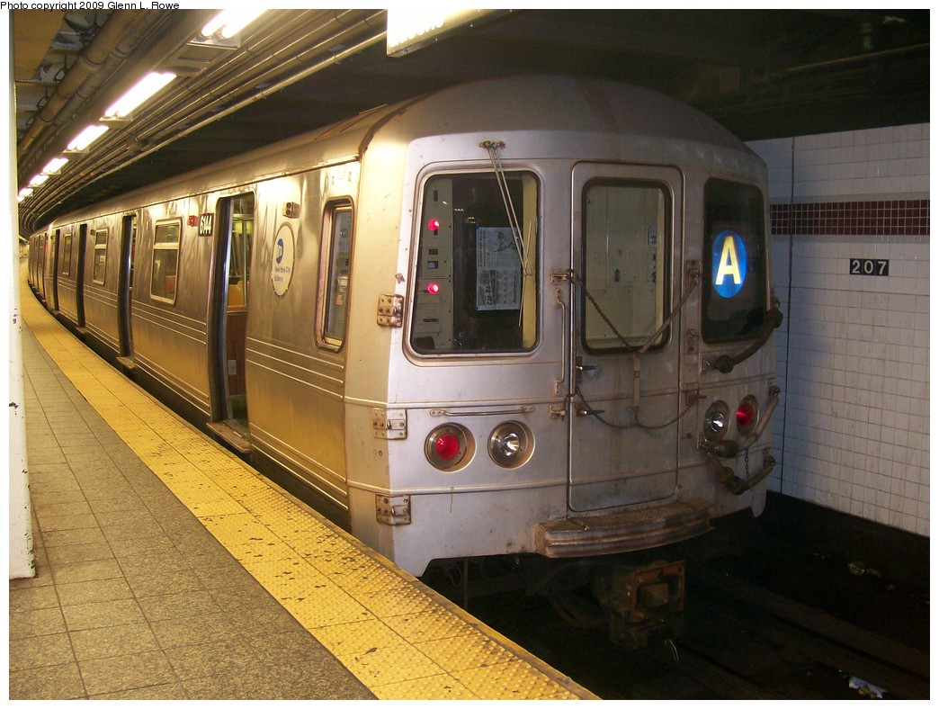(225k, 1044x788)<br><b>Country:</b> United States<br><b>City:</b> New York<br><b>System:</b> New York City Transit<br><b>Line:</b> IND 8th Avenue Line<br><b>Location:</b> 207th Street <br><b>Route:</b> A<br><b>Car:</b> R-46 (Pullman-Standard, 1974-75) 6144 <br><b>Photo by:</b> Glenn L. Rowe<br><b>Date:</b> 5/29/2009<br><b>Viewed (this week/total):</b> 0 / 1220