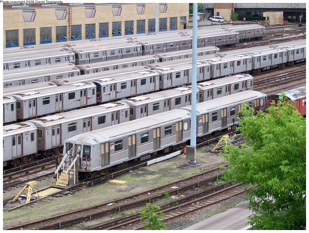 (352k, 1044x788)<br><b>Country:</b> United States<br><b>City:</b> New York<br><b>System:</b> New York City Transit<br><b>Location:</b> Concourse Yard<br><b>Car:</b> R-40 (St. Louis, 1968)  4442 <br><b>Photo by:</b> David Tropiansky<br><b>Date:</b> 5/23/2009<br><b>Viewed (this week/total):</b> 4 / 4919