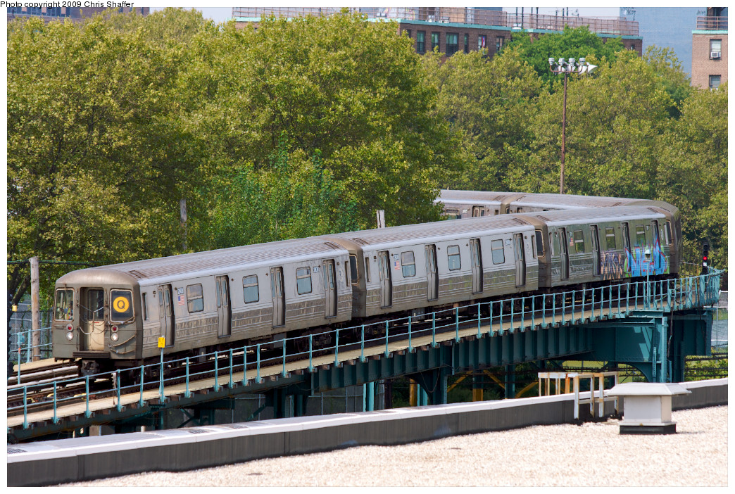 (392k, 1044x702)<br><b>Country:</b> United States<br><b>City:</b> New York<br><b>System:</b> New York City Transit<br><b>Location:</b> Coney Island Yard<br><b>Route:</b> Q<br><b>Car:</b> R-68 (Westinghouse-Amrail, 1986-1988)  2808 <br><b>Photo by:</b> Chris C. Shaffer<br><b>Date:</b> 9/13/2008<br><b>Notes:</b> Entering yard.<br><b>Viewed (this week/total):</b> 0 / 1089