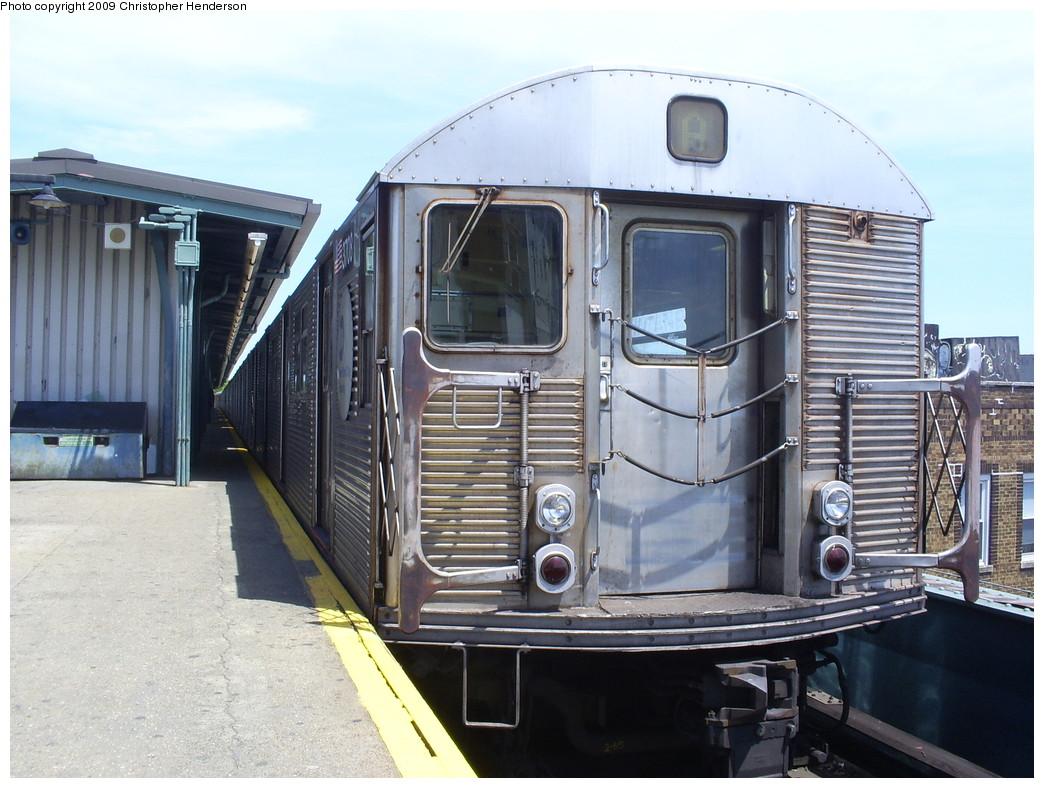 (260k, 1044x788)<br><b>Country:</b> United States<br><b>City:</b> New York<br><b>System:</b> New York City Transit<br><b>Line:</b> IND Fulton Street Line<br><b>Location:</b> Lefferts Boulevard <br><b>Route:</b> A<br><b>Car:</b> R-32 (Budd, 1964)  3708 <br><b>Photo by:</b> Christopher Henderson<br><b>Date:</b> 6/1/2009<br><b>Viewed (this week/total):</b> 0 / 806