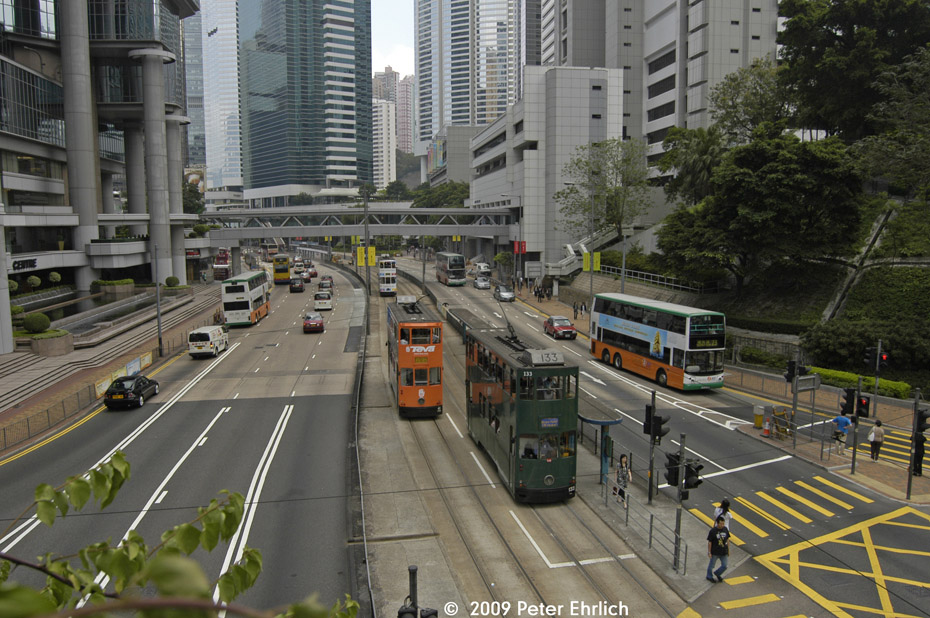 (244k, 930x618)<br><b>Country:</b> China (Hong Kong)<br><b>City:</b> Hong Kong<br><b>System:</b> Hong Kong Tramway Ltd.<br><b>Location:</b> Queensway/Cotton Tree <br><b>Car:</b>  133 <br><b>Photo by:</b> Peter Ehrlich<br><b>Date:</b> 5/15/2009<br><b>Notes:</b> 133 inbound, with 41 outbound.<br><b>Viewed (this week/total):</b> 0 / 470