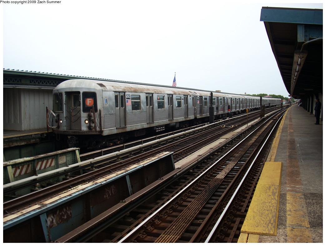 (259k, 1044x788)<br><b>Country:</b> United States<br><b>City:</b> New York<br><b>System:</b> New York City Transit<br><b>Line:</b> BMT Culver Line<br><b>Location:</b> Avenue X <br><b>Route:</b> F<br><b>Car:</b> R-42 (St. Louis, 1969-1970)  4743 <br><b>Photo by:</b> Zach Summer<br><b>Date:</b> 5/26/2009<br><b>Viewed (this week/total):</b> 0 / 1018