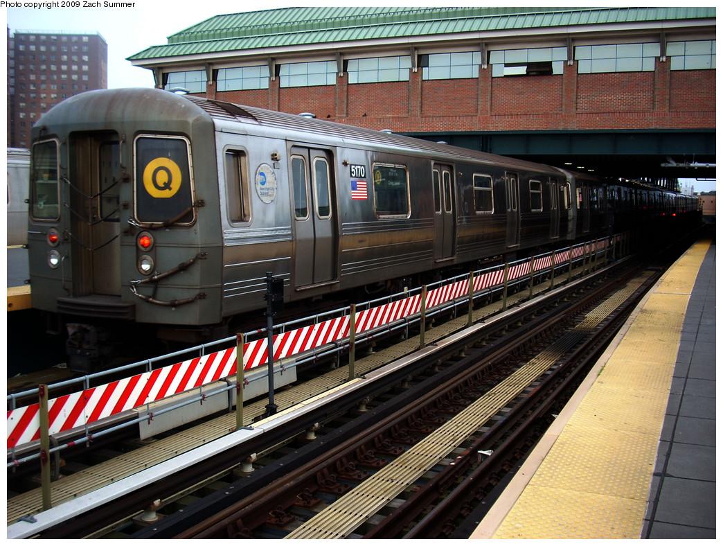 (342k, 1044x788)<br><b>Country:</b> United States<br><b>City:</b> New York<br><b>System:</b> New York City Transit<br><b>Location:</b> Coney Island/Stillwell Avenue<br><b>Route:</b> Q<br><b>Car:</b> R-68A (Kawasaki, 1988-1989)  5170 <br><b>Photo by:</b> Zach Summer<br><b>Date:</b> 5/27/2009<br><b>Viewed (this week/total):</b> 0 / 1217