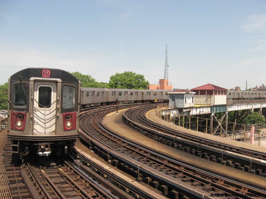 (262k, 1024x768)<br><b>Country:</b> United States<br><b>City:</b> New York<br><b>System:</b> New York City Transit<br><b>Line:</b> IRT White Plains Road Line<br><b>Location:</b> West Farms Sq./East Tremont Ave./177th St. <br><b>Route:</b> 5<br><b>Car:</b> R-142 or R-142A (Number Unknown)  <br><b>Photo by:</b> Andre Samuel<br><b>Date:</b> 5/25/2009<br><b>Viewed (this week/total):</b> 0 / 1174