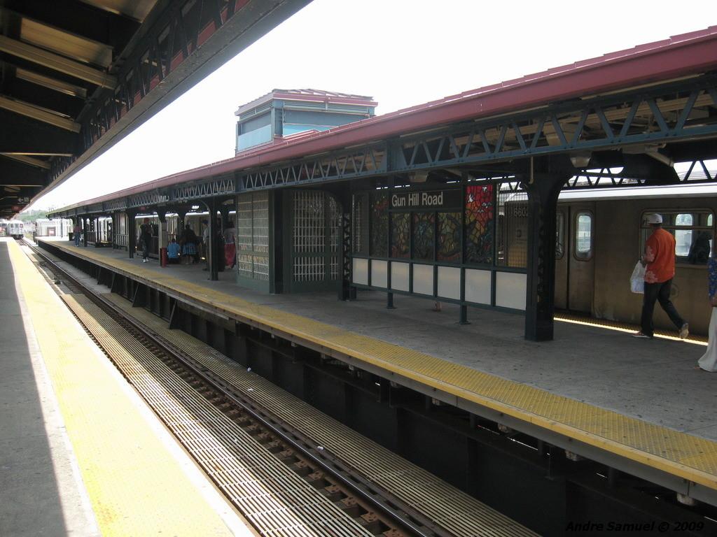 (230k, 1024x768)<br><b>Country:</b> United States<br><b>City:</b> New York<br><b>System:</b> New York City Transit<br><b>Line:</b> IRT White Plains Road Line<br><b>Location:</b> Gun Hill Road <br><b>Photo by:</b> Andre Samuel<br><b>Date:</b> 5/25/2009<br><b>Viewed (this week/total):</b> 0 / 1118