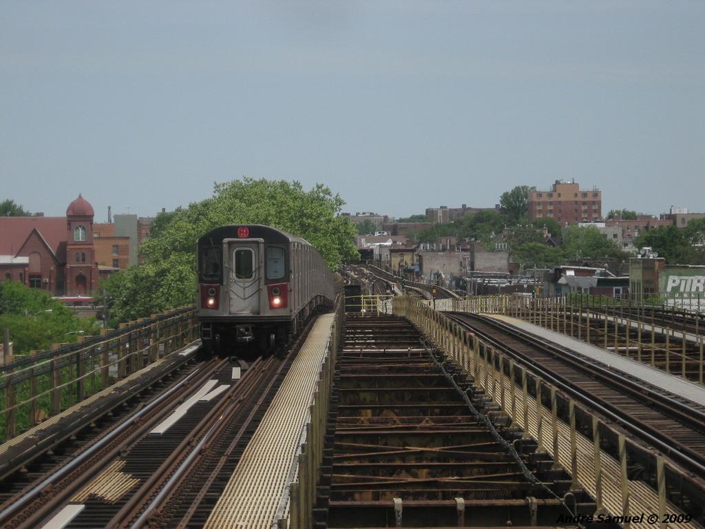 (229k, 1024x768)<br><b>Country:</b> United States<br><b>City:</b> New York<br><b>System:</b> New York City Transit<br><b>Line:</b> IRT White Plains Road Line<br><b>Location:</b> Gun Hill Road <br><b>Route:</b> 2<br><b>Car:</b> R-142 or R-142A (Number Unknown)  <br><b>Photo by:</b> Andre Samuel<br><b>Date:</b> 5/25/2009<br><b>Viewed (this week/total):</b> 0 / 1433
