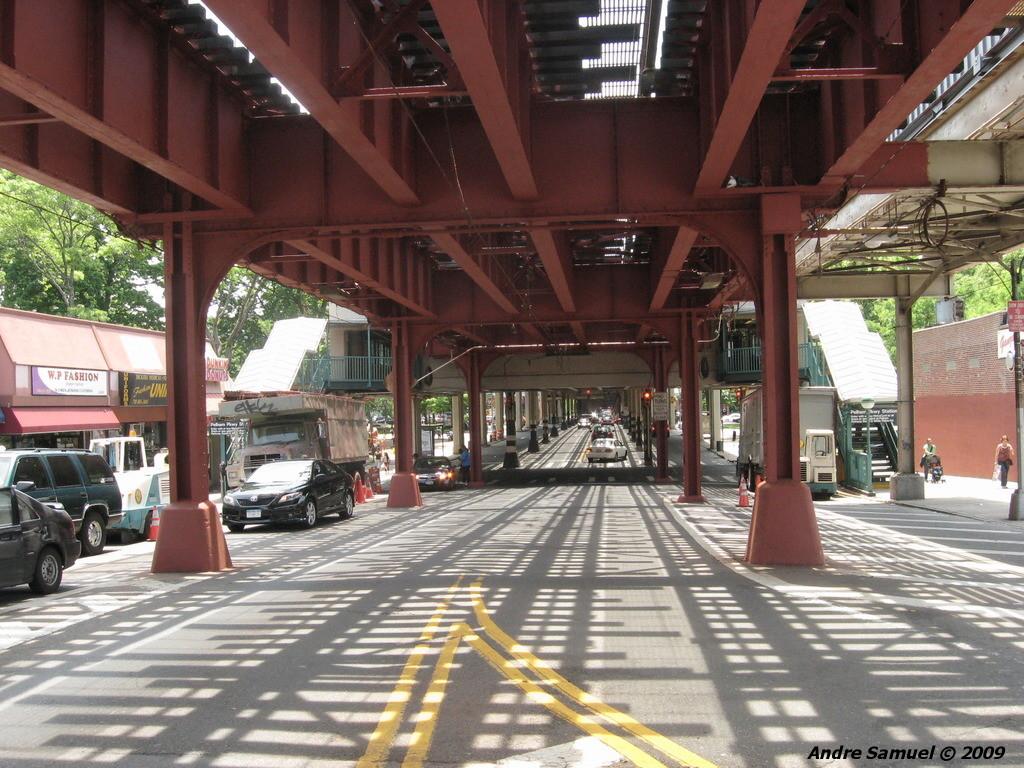(284k, 1024x768)<br><b>Country:</b> United States<br><b>City:</b> New York<br><b>System:</b> New York City Transit<br><b>Line:</b> IRT White Plains Road Line<br><b>Location:</b> Pelham Parkway <br><b>Photo by:</b> Andre Samuel<br><b>Date:</b> 5/25/2009<br><b>Notes:</b> Under the el at Pelham Parkway.<br><b>Viewed (this week/total):</b> 1 / 1749