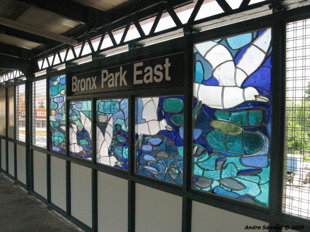 (316k, 1024x768)<br><b>Country:</b> United States<br><b>City:</b> New York<br><b>System:</b> New York City Transit<br><b>Line:</b> IRT White Plains Road Line<br><b>Location:</b> Bronx Park East <br><b>Photo by:</b> Andre Samuel<br><b>Date:</b> 5/25/2009<br><b>Artwork:</b> <i>B is for Birds in the Bronx</i>, Candida Alvarez (2006).<br><b>Viewed (this week/total):</b> 4 / 1338