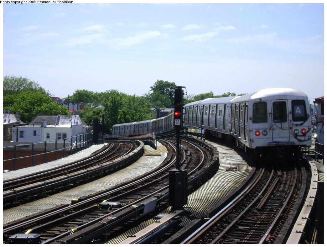 (247k, 1044x788)<br><b>Country:</b> United States<br><b>City:</b> New York<br><b>System:</b> New York City Transit<br><b>Line:</b> IND Fulton Street Line<br><b>Location:</b> 80th Street/Hudson Street <br><b>Route:</b> A<br><b>Car:</b> R-46 (Pullman-Standard, 1974-75) 6244 <br><b>Photo by:</b> Emmanuel Robinson<br><b>Date:</b> 6/1/2009<br><b>Viewed (this week/total):</b> 0 / 1284
