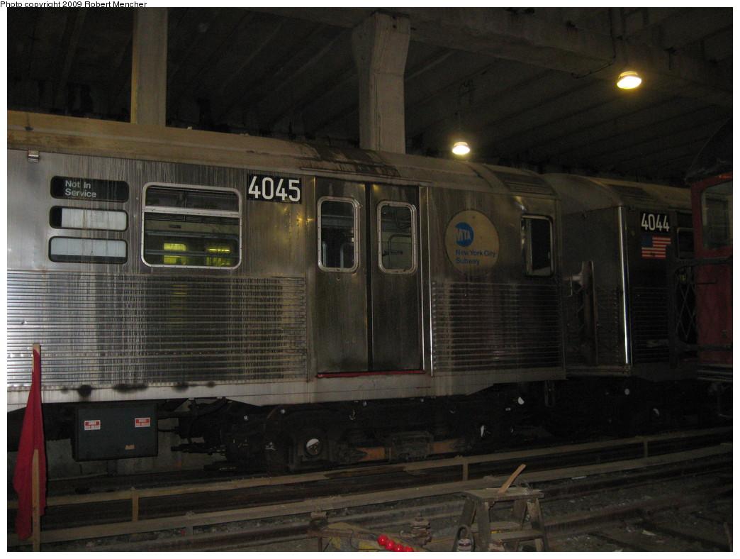 (197k, 1044x788)<br><b>Country:</b> United States<br><b>City:</b> New York<br><b>System:</b> New York City Transit<br><b>Location:</b> Pitkin Yard/Shops<br><b>Car:</b> R-38 (St. Louis, 1966-1967)  4045/4044 <br><b>Photo by:</b> Robert Mencher<br><b>Date:</b> 5/23/2009<br><b>Viewed (this week/total):</b> 9 / 1627