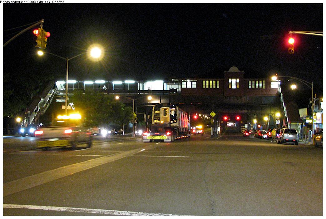 (290k, 1044x703)<br><b>Country:</b> United States<br><b>City:</b> New York<br><b>System:</b> New York City Transit<br><b>Line:</b> IRT West Side Line<br><b>Location:</b> 242nd Street/Van Cortlandt Park <br><b>Car:</b> R-160B (Option 1) (Kawasaki, 2008-2009)  8993 <br><b>Photo by:</b> Chris C. Shaffer<br><b>Date:</b> 5/28/2008<br><b>Notes:</b> New R160 being trucked from Kawasaki plant in Yonkers, NY<br><b>Viewed (this week/total):</b> 1 / 4140