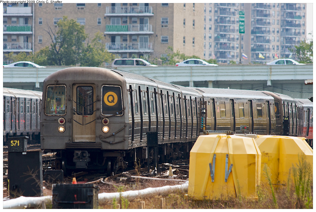 (286k, 1044x702)<br><b>Country:</b> United States<br><b>City:</b> New York<br><b>System:</b> New York City Transit<br><b>Location:</b> Coney Island Yard<br><b>Car:</b> R-68 (Westinghouse-Amrail, 1986-1988)  2808 <br><b>Photo by:</b> Chris C. Shaffer<br><b>Date:</b> 9/13/2008<br><b>Viewed (this week/total):</b> 0 / 989