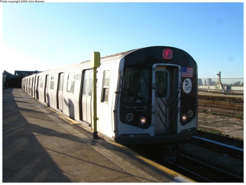 (156k, 1044x788)<br><b>Country:</b> United States<br><b>City:</b> New York<br><b>System:</b> New York City Transit<br><b>Line:</b> IND Crosstown Line<br><b>Location:</b> Smith/9th Street <br><b>Route:</b> F<br><b>Car:</b> R-160B (Kawasaki, 2005-2008)  9348 <br><b>Photo by:</b> John Barnes<br><b>Date:</b> 5/21/2009<br><b>Viewed (this week/total):</b> 1 / 1423