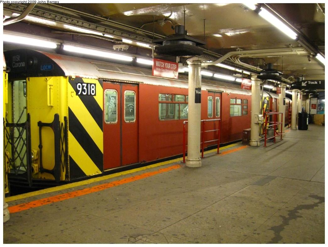 (224k, 1044x788)<br><b>Country:</b> United States<br><b>City:</b> New York<br><b>System:</b> New York City Transit<br><b>Line:</b> IRT Times Square-Grand Central Shuttle<br><b>Location:</b> Times Square <br><b>Route:</b> Work Service<br><b>Car:</b> R-33 World's Fair (St. Louis, 1963-64) 9318 <br><b>Photo by:</b> John Barnes<br><b>Date:</b> 5/27/2009<br><b>Viewed (this week/total):</b> 3 / 1789