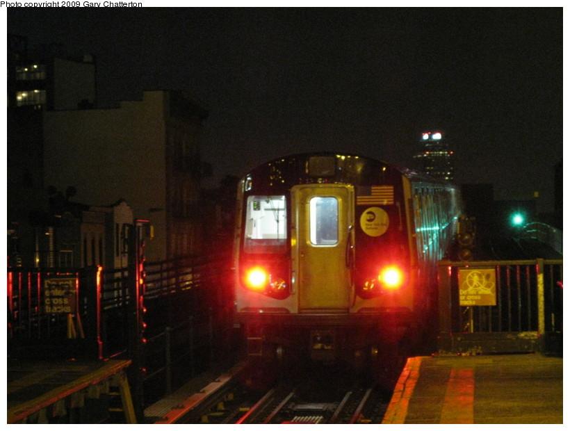 (117k, 820x620)<br><b>Country:</b> United States<br><b>City:</b> New York<br><b>System:</b> New York City Transit<br><b>Line:</b> BMT Astoria Line<br><b>Location:</b> Astoria Boulevard/Hoyt Avenue <br><b>Car:</b> R-160B (Option 1) (Kawasaki, 2008-2009)  9053 <br><b>Photo by:</b> Gary Chatterton<br><b>Date:</b> 5/17/2009<br><b>Viewed (this week/total):</b> 1 / 1721