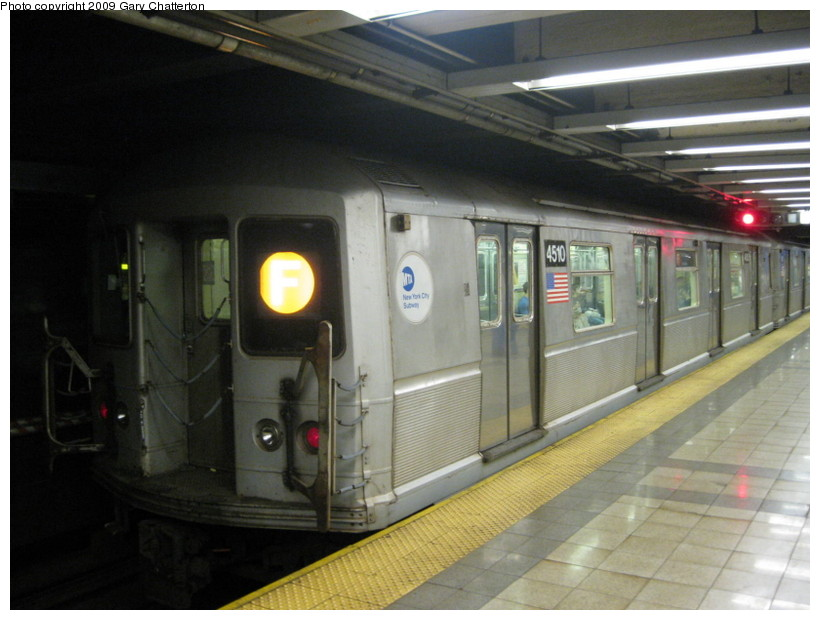 (118k, 820x620)<br><b>Country:</b> United States<br><b>City:</b> New York<br><b>System:</b> New York City Transit<br><b>Line:</b> IND 8th Avenue Line<br><b>Location:</b> Canal Street-Holland Tunnel <br><b>Route:</b> F Reroute<br><b>Car:</b> R-40M (St. Louis, 1969)  4510 <br><b>Photo by:</b> Gary Chatterton<br><b>Date:</b> 5/31/2009<br><b>Viewed (this week/total):</b> 0 / 1553