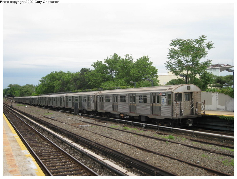 (145k, 820x620)<br><b>Country:</b> United States<br><b>City:</b> New York<br><b>System:</b> New York City Transit<br><b>Line:</b> IND Rockaway<br><b>Location:</b> Aqueduct/North Conduit Avenue <br><b>Route:</b> A<br><b>Car:</b> R-32 (Budd, 1964)  3660 <br><b>Photo by:</b> Gary Chatterton<br><b>Date:</b> 6/3/2009<br><b>Viewed (this week/total):</b> 1 / 1135