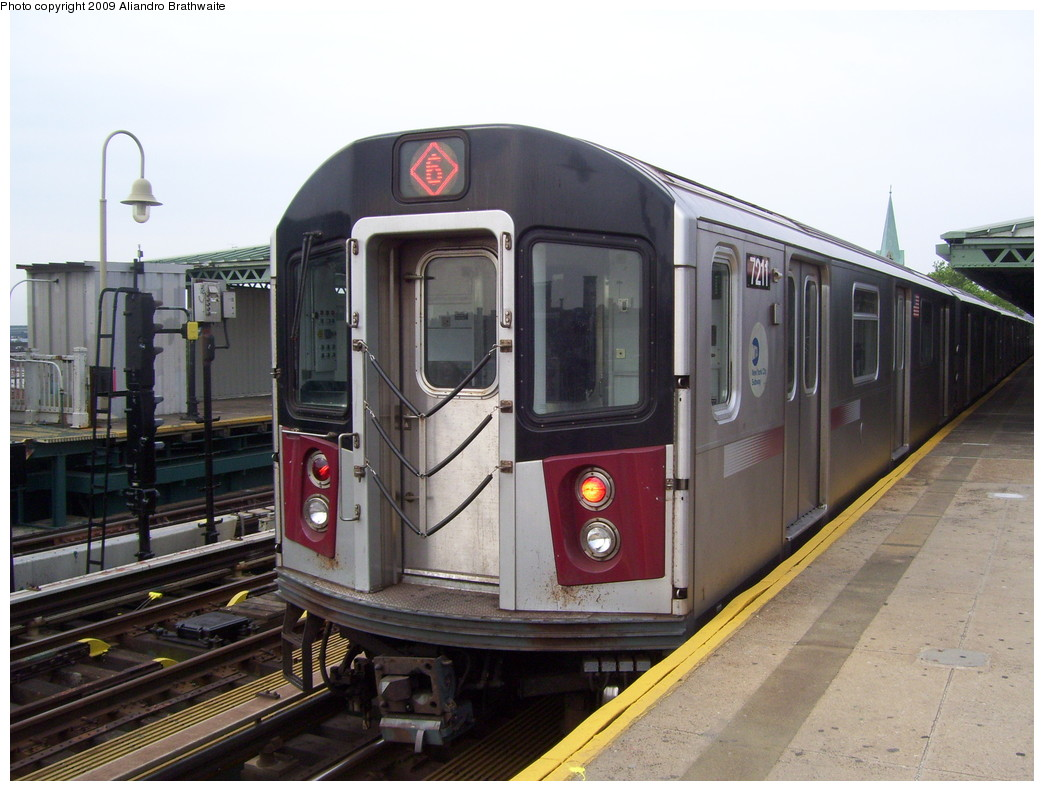 (214k, 1044x791)<br><b>Country:</b> United States<br><b>City:</b> New York<br><b>System:</b> New York City Transit<br><b>Line:</b> IRT Pelham Line<br><b>Location:</b> Westchester Square <br><b>Route:</b> 6<br><b>Car:</b> R-142A (Primary Order, Kawasaki, 1999-2002)  7211 <br><b>Photo by:</b> Aliandro Brathwaite<br><b>Date:</b> 6/8/2009<br><b>Viewed (this week/total):</b> 0 / 1400