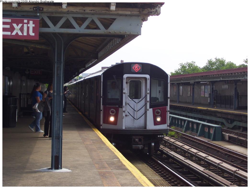 (211k, 1044x791)<br><b>Country:</b> United States<br><b>City:</b> New York<br><b>System:</b> New York City Transit<br><b>Line:</b> IRT Pelham Line<br><b>Location:</b> Middletown Road <br><b>Route:</b> 6<br><b>Car:</b> R-142A (Primary Order, Kawasaki, 1999-2002)  7230 <br><b>Photo by:</b> Aliandro Brathwaite<br><b>Date:</b> 6/8/2009<br><b>Viewed (this week/total):</b> 1 / 1061