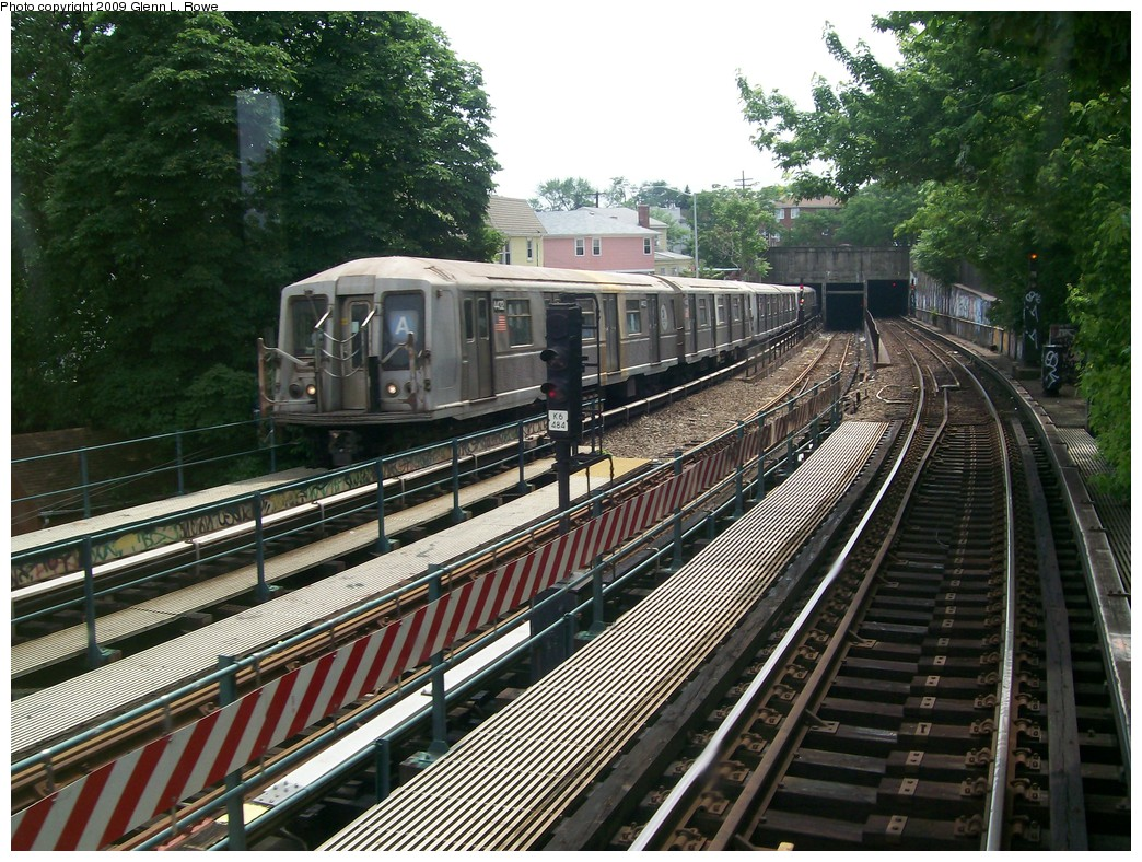 (297k, 1044x788)<br><b>Country:</b> United States<br><b>City:</b> New York<br><b>System:</b> New York City Transit<br><b>Line:</b> IND Fulton Street Line<br><b>Location:</b> 80th Street/Hudson Street <br><b>Route:</b> A<br><b>Car:</b> R-40 (St. Louis, 1968)  4432 <br><b>Photo by:</b> Glenn L. Rowe<br><b>Date:</b> 6/12/2009<br><b>Notes:</b> Last day of R40 Slant service-- train exiting Fulton subway portal approaching 80th St.<br><b>Viewed (this week/total):</b> 2 / 2440