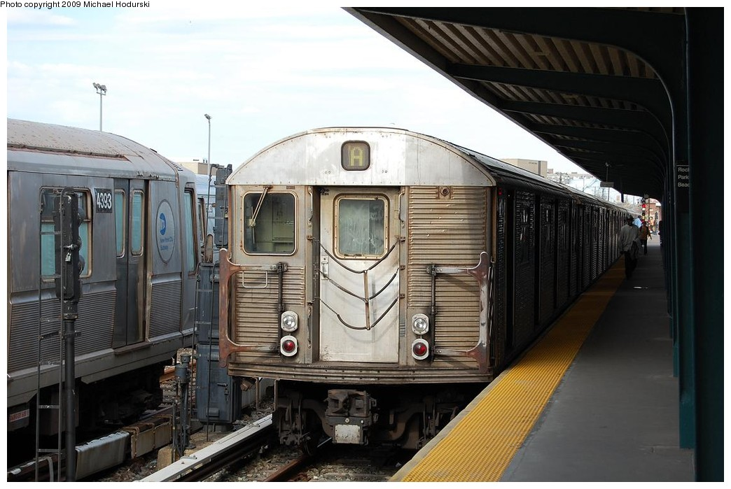 (215k, 1044x699)<br><b>Country:</b> United States<br><b>City:</b> New York<br><b>System:</b> New York City Transit<br><b>Line:</b> IND Rockaway<br><b>Location:</b> Rockaway Park/Beach 116th Street <br><b>Route:</b> A<br><b>Car:</b> R-32 (Budd, 1964)  3939 <br><b>Photo by:</b> Michael Hodurski<br><b>Date:</b> 4/17/2008<br><b>Viewed (this week/total):</b> 0 / 1167
