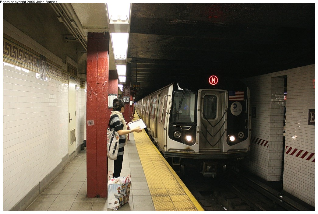 (200k, 1044x703)<br><b>Country:</b> United States<br><b>City:</b> New York<br><b>System:</b> New York City Transit<br><b>Line:</b> BMT Nassau Street/Jamaica Line<br><b>Location:</b> Essex Street <br><b>Route:</b> M<br><b>Car:</b> R-160A-1 (Alstom, 2005-2008, 4 car sets)   <br><b>Photo by:</b> John Barnes<br><b>Date:</b> 6/15/2009<br><b>Viewed (this week/total):</b> 3 / 1780